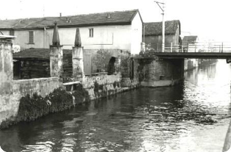 Cascina Metallino il ponte sul Naviglio Martesana