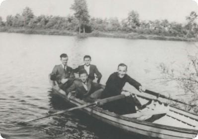 don Carlo Testa in barca al Lago Tana
